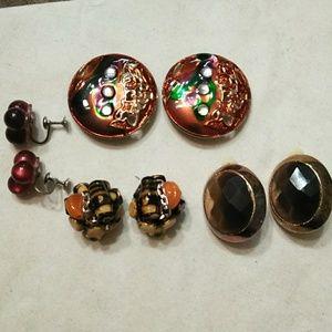Lot of vintage clip on earrings.